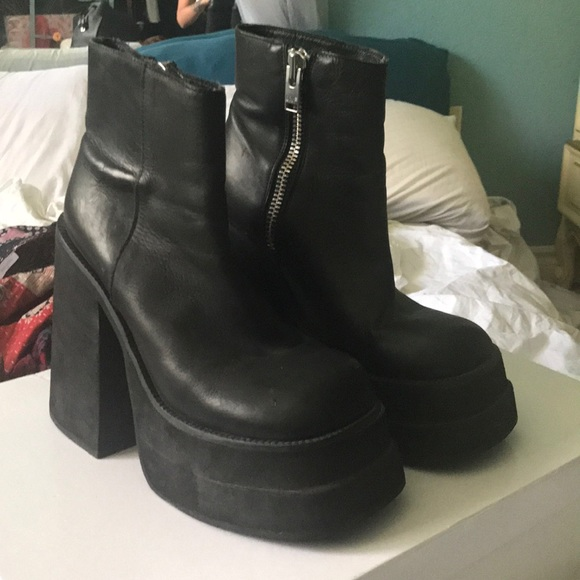 b7b6b327108e Unit brat platform boot. M 5b26cf6bde6f6294a0cc130e. Other Shoes ...
